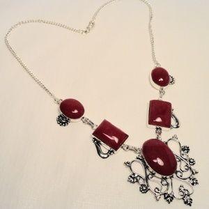 Jewelry - Fuchsia pink Dragon Vein Agate gemstone Necklace
